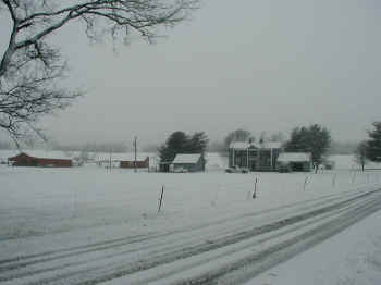 A snow scene at Tennessee Hourse Country B&B